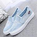 2017 recién llegado de adultos de las mujeres zapatos de lona de mezclilla recorte planas encaje en suela de goma zapatos casuales de moda roto agujero zapatos Hipste