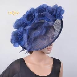 Темно-синий большой головной убор Sinamay hatinator fedora w/шелковые цветы для Ascot, Кентукки Дерби, свадьба