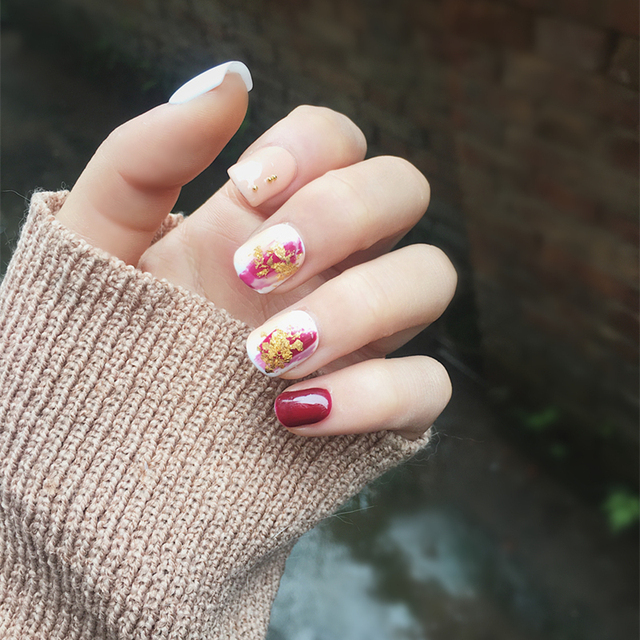 Japanese wine red pure color with Gold foil fake nails cute 24pcs UV ...