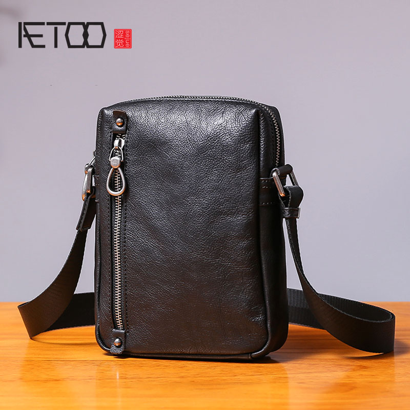 AETOO Single shoulder bag male leather casual vertical small bag handmade retro head cowhide men s