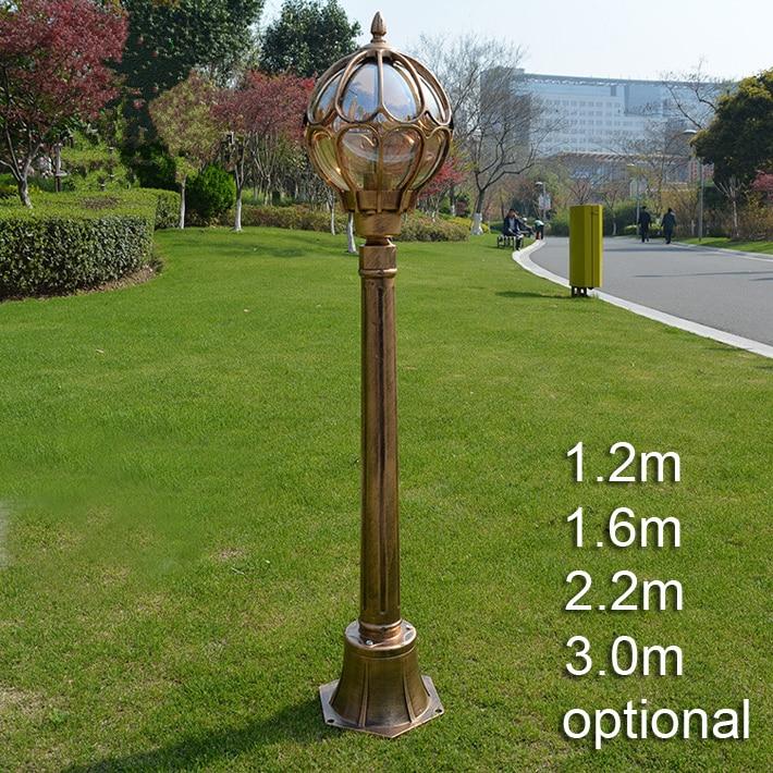 Traditional European Landscape Light Garden Lawn Waterproof Bronze Classic Outdoor Post Lamp Led Pole Light Vintage Street Light