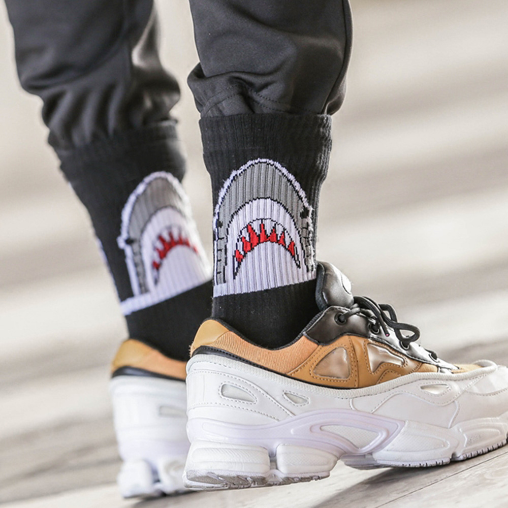 Creative White Black Men Crew   Socks   Cotton Hip Hop Shark Funny   Socks   Fashion Trend Skateboard   Socks   Women Unisex Sox Ne72650