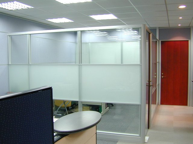 Supply aluminum aluminum partition wall between glass partition wall in the office
