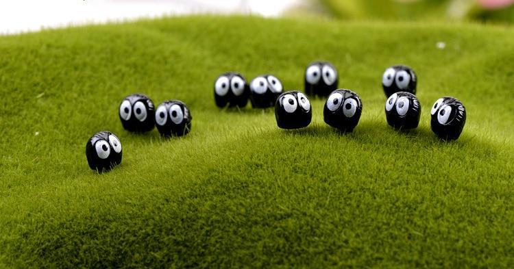 10pcs-lot-Spirited-Away-miniature-figurines-toys-cute-lovely-Model-Kids-Toy-1cm-PVC-japan (4)