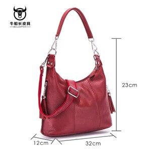 Image 2 - Bullcaptain 2020 nova bolsa feminina bolsas de couro genuíno das mulheres bolsa de ombro 8 polegada sacos do mensageiro para as mulheres casuais borla