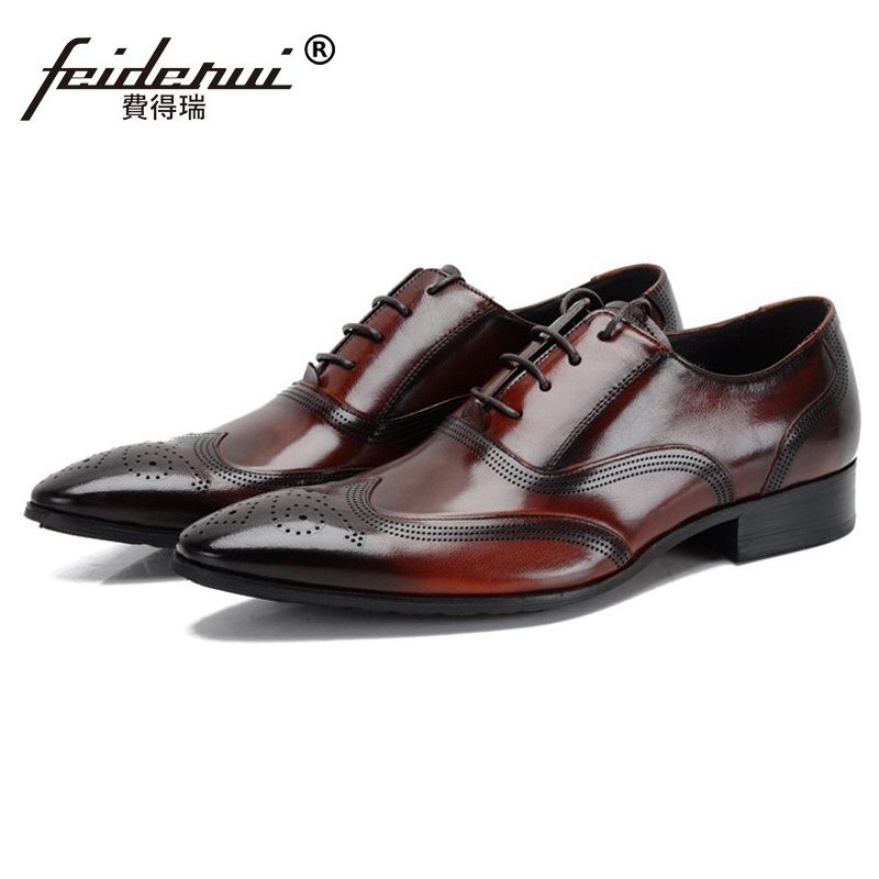 Fashion Brand Man Brogue Shoes Genuine Leather Carved Oxfords Vintage Pointed Toe Laced Men's Handmade Male Wing Tip Flats EH37 ruimosi british style brand man formal dress shoes vintage genuine leather brogue oxfords pointed toe men s wing tip flats ce38