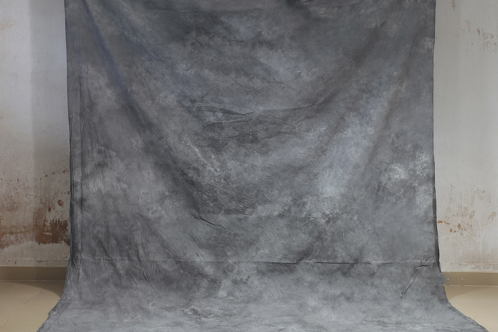 купить Hand Dyed Light Grey Muslin Photo Backdrop Cotton Hand Painted Background Glare-Free Photography Studio Screen 7x10ft XY-06 по цене 2132.95 рублей