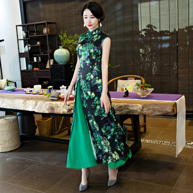 New Women Vietnam Aodai Print Flower Long Qipao Chinese Traditional Silk  Dress Short Sleeve Sexy Cheongsam Size M-3XL T164 726f1d391c17