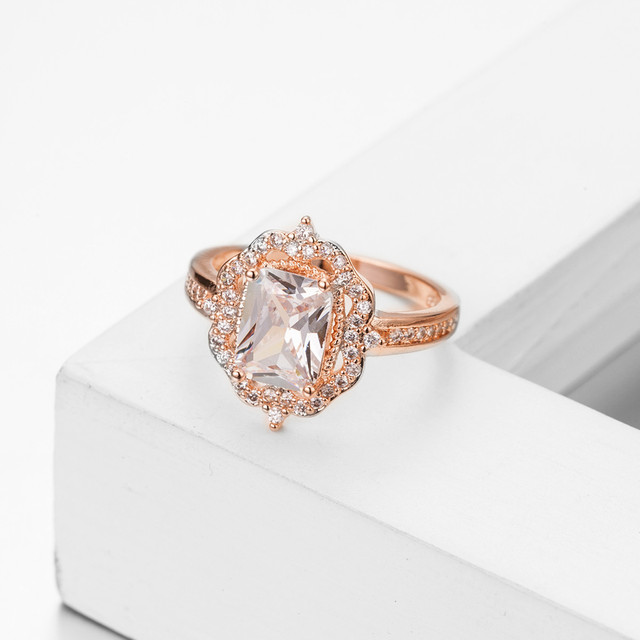 fac52bf46b94 14 K oro rosa peridoto Diamante cuadrado cerca de mujeres anillo de  compromiso anillo de joyería