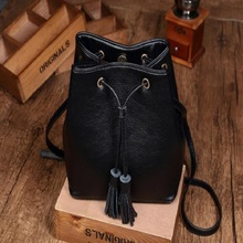 Women Leather Fashion Messenger Bag Tassel Fold Cover Sling Girl Shoulder Crossbody Bag Brand Design Women Envelope bag ladies