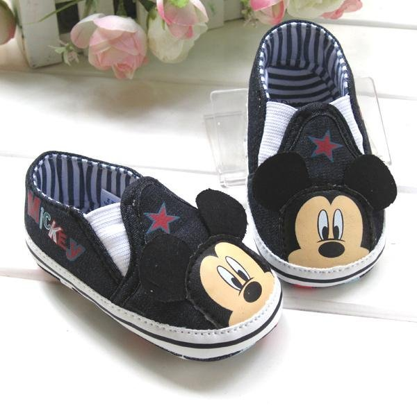 New fashion baby boys cartoon mickey antiskid shoes infant footwear suitable for pre-walkers first walkers high quality Q116