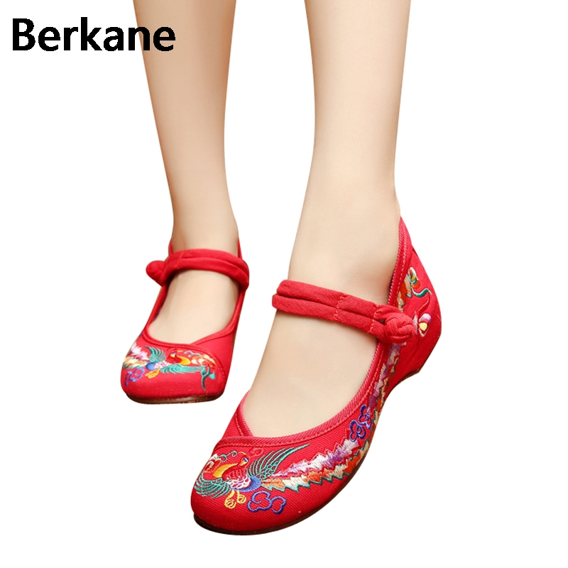 Chinese Shoes Women Embroidery Mary Jane Fabric Flats Traditional Embroidered Old Peking Flower Canvas Casual Large Size 43 Hot peacock embroidery women shoes old peking mary jane flat heel denim flats soft sole women dance casual shoes height increase