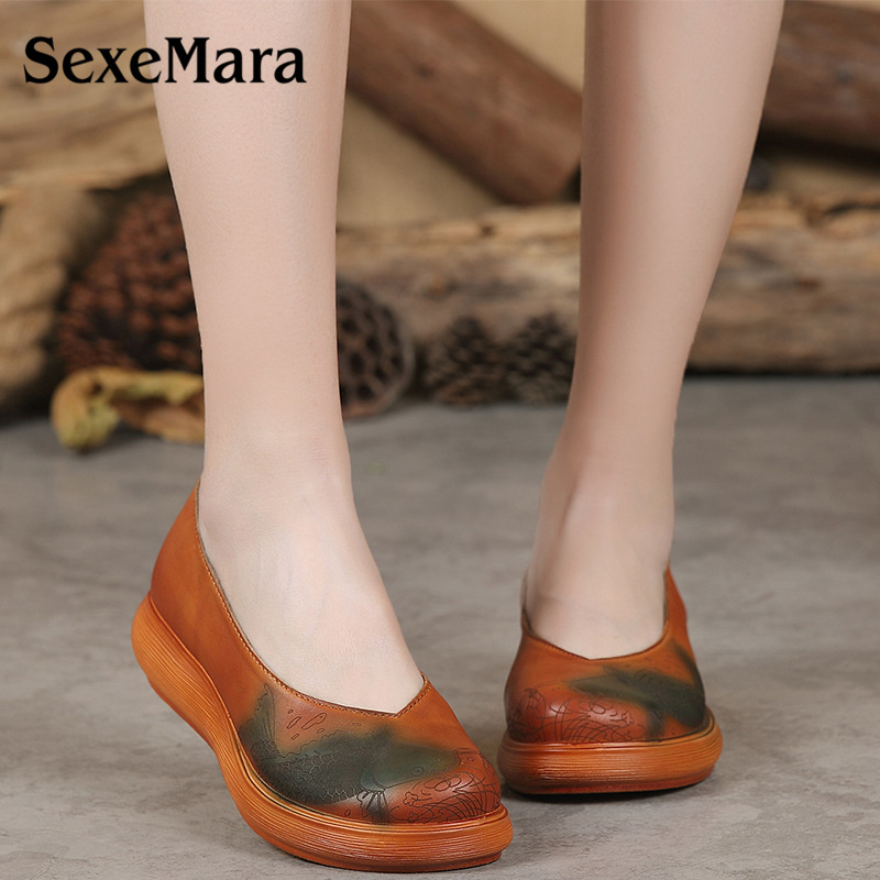SexeMara Women's Handmade Shoes Genuine Leather Flat Mother Retro Autumn Women Folk Flat Shoe Prints Ladies Soft Driving Shoes tastabo handmade autumn women genuine leather shoes cowhide loafers real skin shoes folk style ladies flat shoes for mom sapato