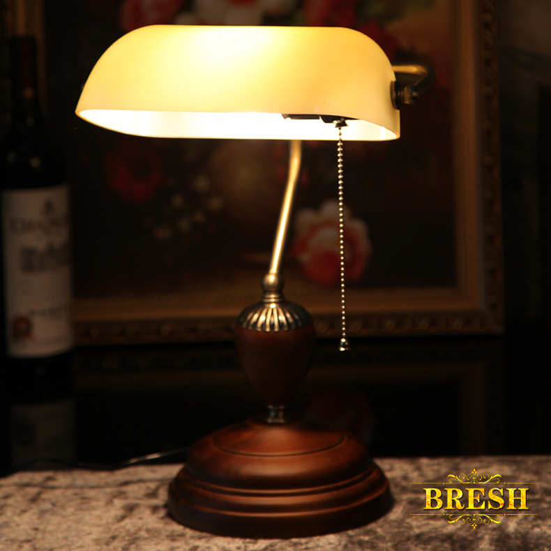 BRESH American retro table lamps study lamp Republic Bank green cover of old Shanghai style 0077JBRESH American retro table lamps study lamp Republic Bank green cover of old Shanghai style 0077J