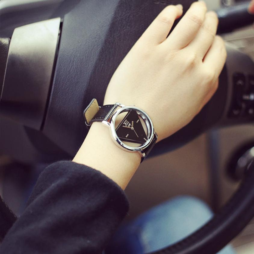 Часы женские наручные кварцевые современные роскошные модные выдолбленные треугольные циферблат Повседневный подарок для женщин часы reloj mujer - Цвет: Black