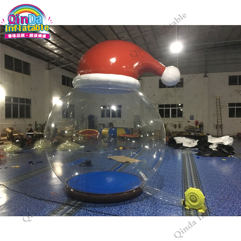 Hot Sale Inflatable christmas snow ball festival Xmax take photo DWF material pvc snow globe Christmas hat transparent tent 6 5ft diameter inflatable beach ball helium balloon for advertisement