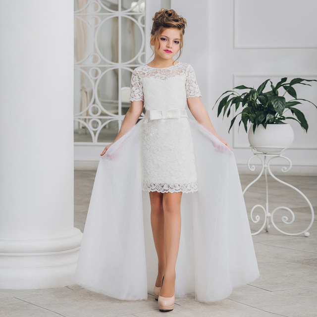 2017 New Arrival Flower Girl Dresses A-Line Knee Length Half Sleeves Sheer Tulle Pageant Communion Gown with Train for Weddings