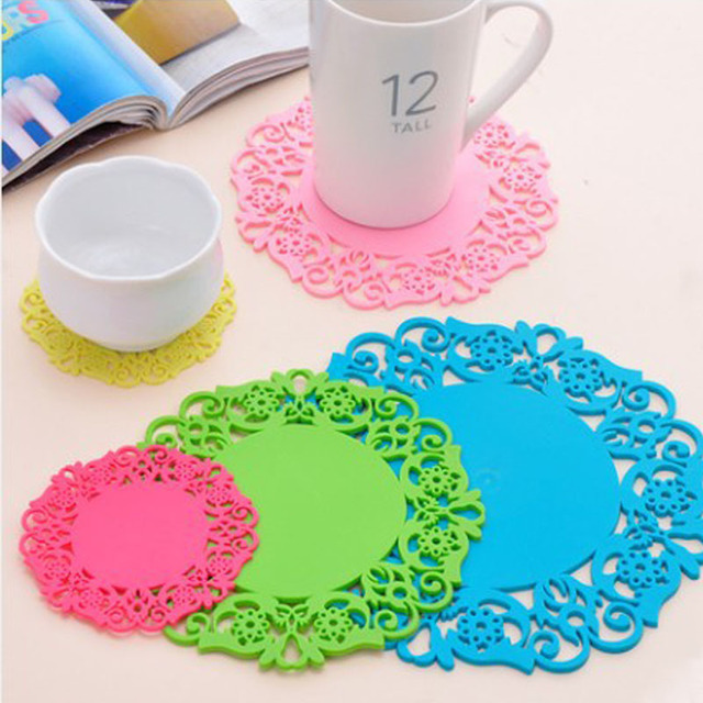 Hot Coming 2PCS/Lot Nonslip Heat Resistant Floral Lace Silicone Table Mat Cup Coaster Pan Placemat Pad