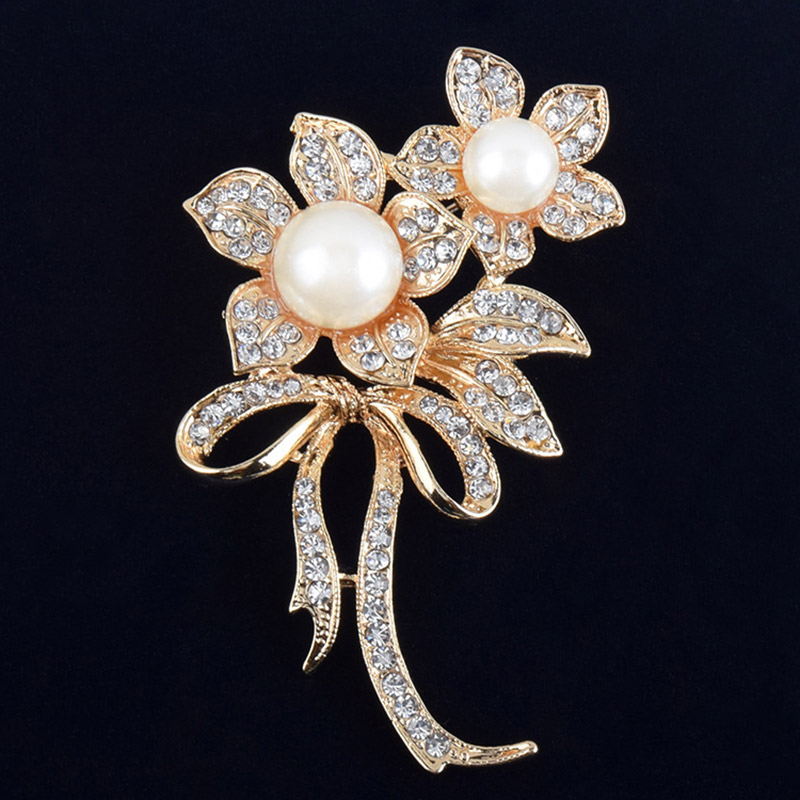 USTAR Simulated pearl Rhinestone flower brooches women pins gold color crystals broche lapels christmas gifts top quality
