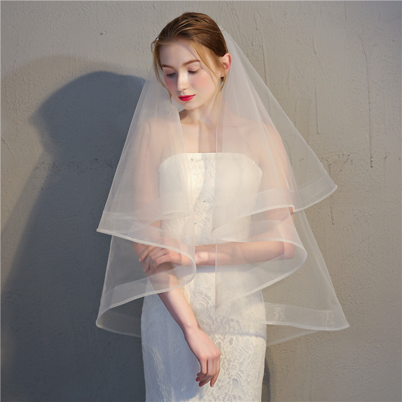 2018 New Short  Bridal Veil Two Layers Sequined Lace With Comb Wedding Veil EE9006