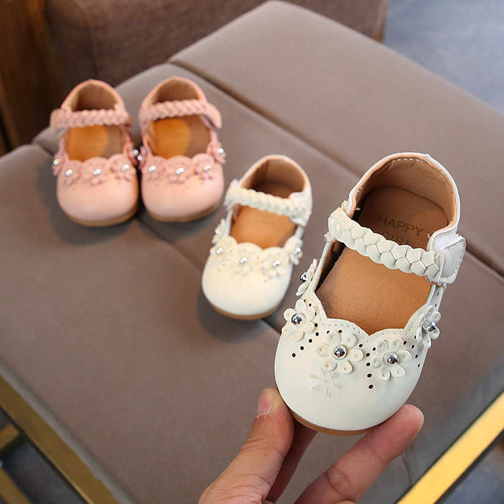 Baby Shoes Girls Princess Casual Shoes Toddler Flowers Hollow Solid Boat Shoe Pearl Children Girls Princess Sneakers Shoes