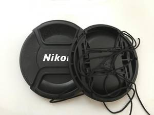 New Center Pinch Snap-on Front Lens Cap hood Cover for Nikon lens with Strap