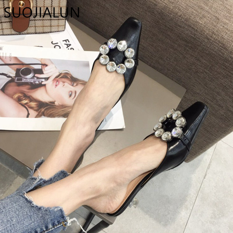 SUOJIALUN 2019 Spring Summer New Brand Mules Shoes Bling Crystal Outside Slipper Ladies Pointed Toe Med Heel Sandals SlidesSUOJIALUN 2019 Spring Summer New Brand Mules Shoes Bling Crystal Outside Slipper Ladies Pointed Toe Med Heel Sandals Slides
