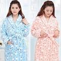 2016 Inverno Nova Alta Quanlity Engrossar Quente Coral de Veludo Pijamas Casais Flanela Solta Roupão Homewear Pijamas Com Cinto A1933