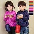 Boys & Girls Color Del Caramelo de Down Chaqueta 1-12Yrs Del Cabrito Del Bebé luz Delgada Con Capucha de Down Escudo Otoño Invierno ropa Para Niños ropa de Abrigo G401