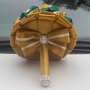 Image 4 - WifeLai золотой с изумрудами зеленая искусственная Роза невеста букет с бриллиантами свадебный букет с лентами украшения цветы W2913