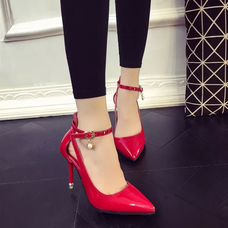 ФОТО  of 2017 new paint manufacturers selling word buckle pointed fine with high heeled shoes to wear fashion shoes two