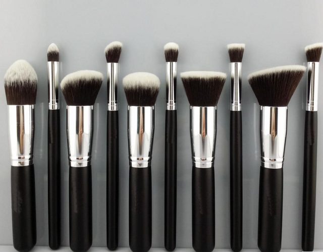 Professional Makeup Brushes 10 Pcs Brushes for MAC Makeup Cosmetic Kit Set Kabuki Foundation Makeup Brush Holder