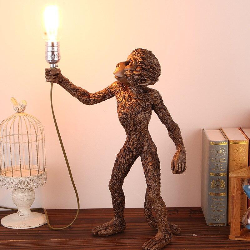 Туда 2017 обезьяна лампы стол в гостиной комнаты для Спальня коридор Животного Смолы Настольная лампа творческая личность ночники