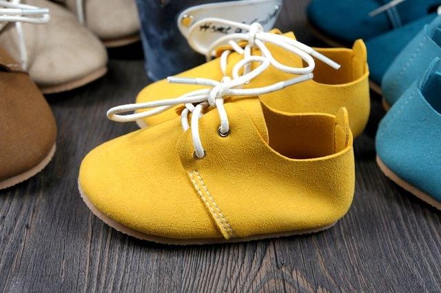 Fedex libre 100 par/lote Cuero super fibra bebé mocasines lace up caucho duro suela boy zapatos niños prewalker primera caminantes