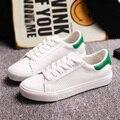 2016 Verano Mujer Zapatos Casuales de La Moda de Cuero Suave Transpirable Todo Blanco Ascensor Mujeres Tabla Plana Zapatos de Mujer Zapatillas Blanca