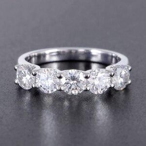 Image 2 - Transgems 1.25 캐럿 CTW 4mm F 컬러 솔리드 14K 585 화이트 골드 하프 영원 웨딩 밴드 Moissanite Diamond Wedding Band
