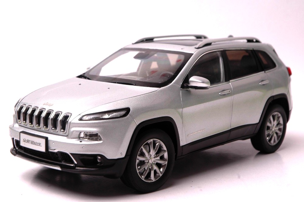 118 Diecast Model For Jeep Cherokee 2016 Silver Suv Alloy Toy Car