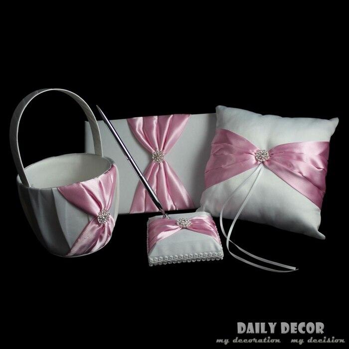 Un ensemble rose accessoires de fête de mariage (oreiller anneau + panier de fleurs + stylo Signature + livre signature invité) accessoires de boda