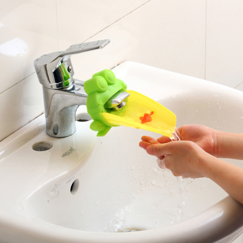 Cartoon Frog Bathroom Sink Faucet Water Chute Extender Children Kids Washing Hands Guiding Convenient for baby Washing Helper convenient baby medicine feeder helper yellow translucent white