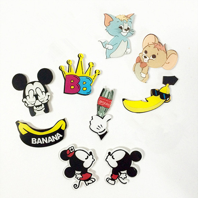98f126d85c48 1PCS New Cartoon Character Badge Mickey Minnie Mouse Shaped Acrylic Badges  Clothes Brooch Pins Icons On The Backpack Decoration