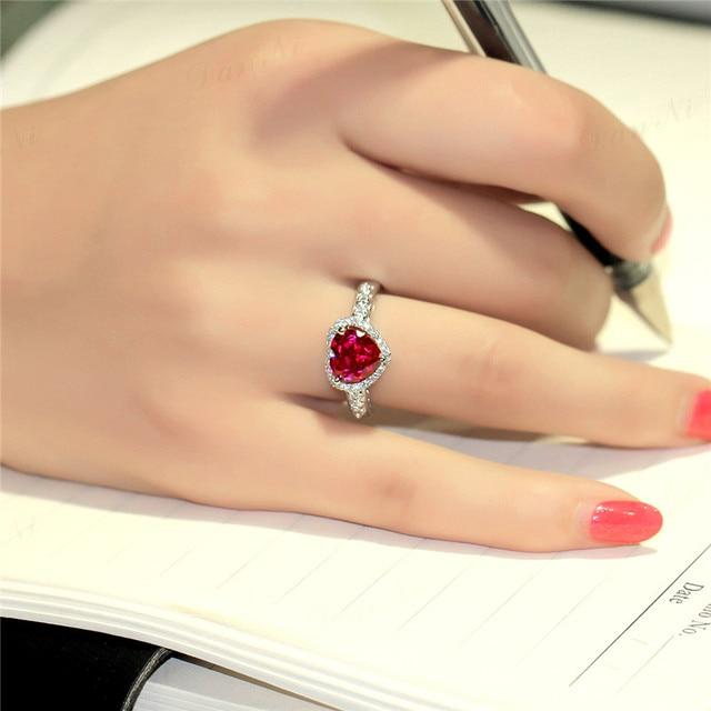 S925 Sterling Silver Gioielli Rubino Anelli di Cerimonia Nuziale Per Le Donne Rosso a Forma di Cuore Belle Jewellry Anello di Fidanzamento Sposa Anelli Mujer