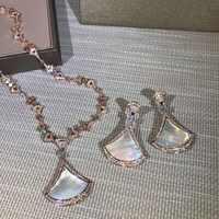 新キュービックジルコン母貝殻真珠ファンペンダントロングネックレスとイヤリングローズゴールド色の宝石のセット