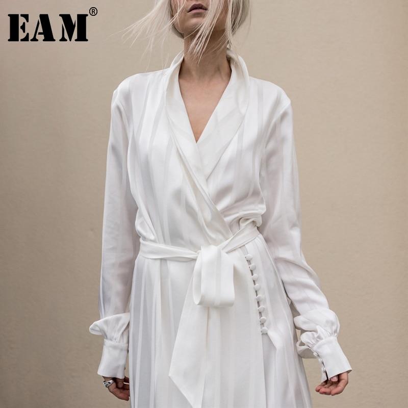 [EAM] Высокое качество 2018 Осень Белый полосатый Свободные Винтаж v-образным вырезом талии на шнуровке длинное пальто новые модные Для женщин ...