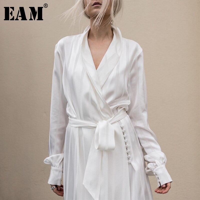 [EAM] Высокое качество 2019 Осень Белый полосатый Свободные Винтаж v-образным вырезом талии на шнуровке длинное пальто новые модные Для женщин ...