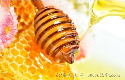 蜂蜜的功效 不仅仅有去火缓解便秘作用哦