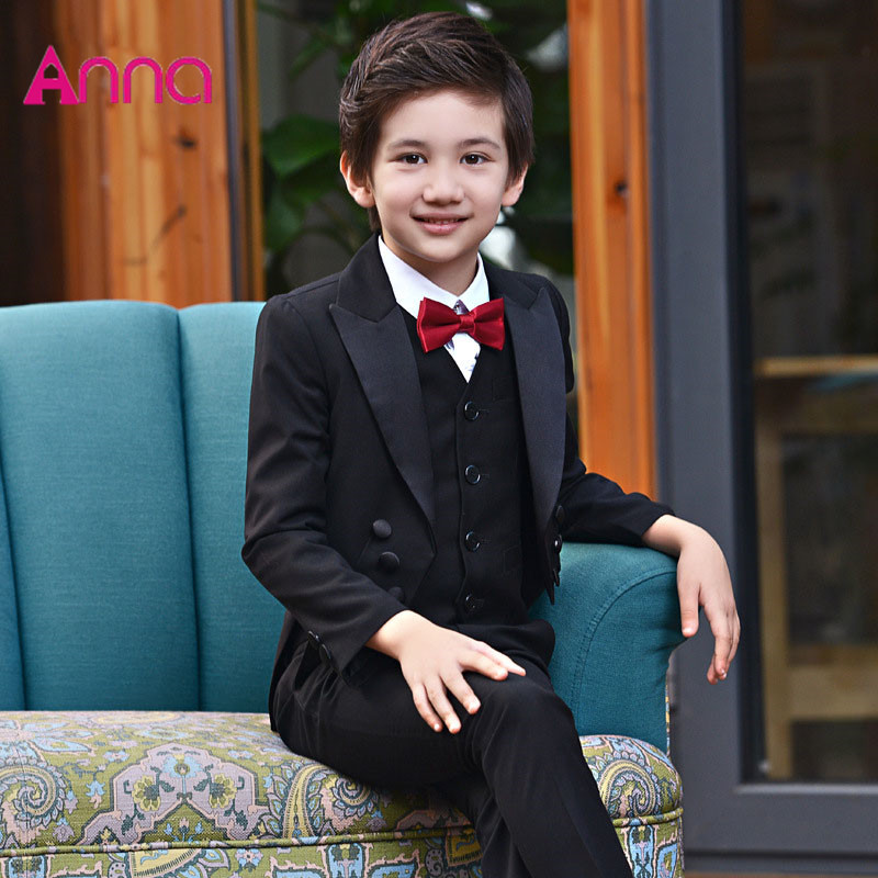 2017 spring and summer boys tuxedo suit sets Tuxedo + shirt + pants + tie 4 pcs set Party dress suit Perform a formal costume anime sakura akizuli nakuru cosplay costume blue suit shirt coat skirt tie d