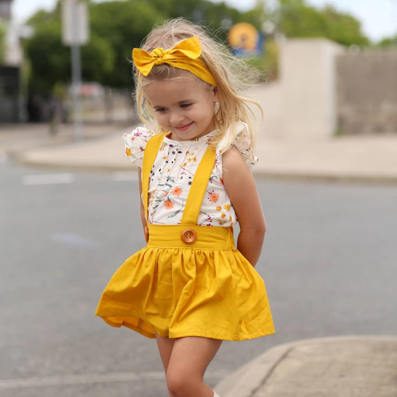 HTB1SKnKMmzqK1RjSZFHq6z3CpXa3 Humor Bear Summer Baby Girls Summer New Clothes Suit Fly Sleeve T-shirt s+Floral Skirt+Headband Kids Party Princess Clothing