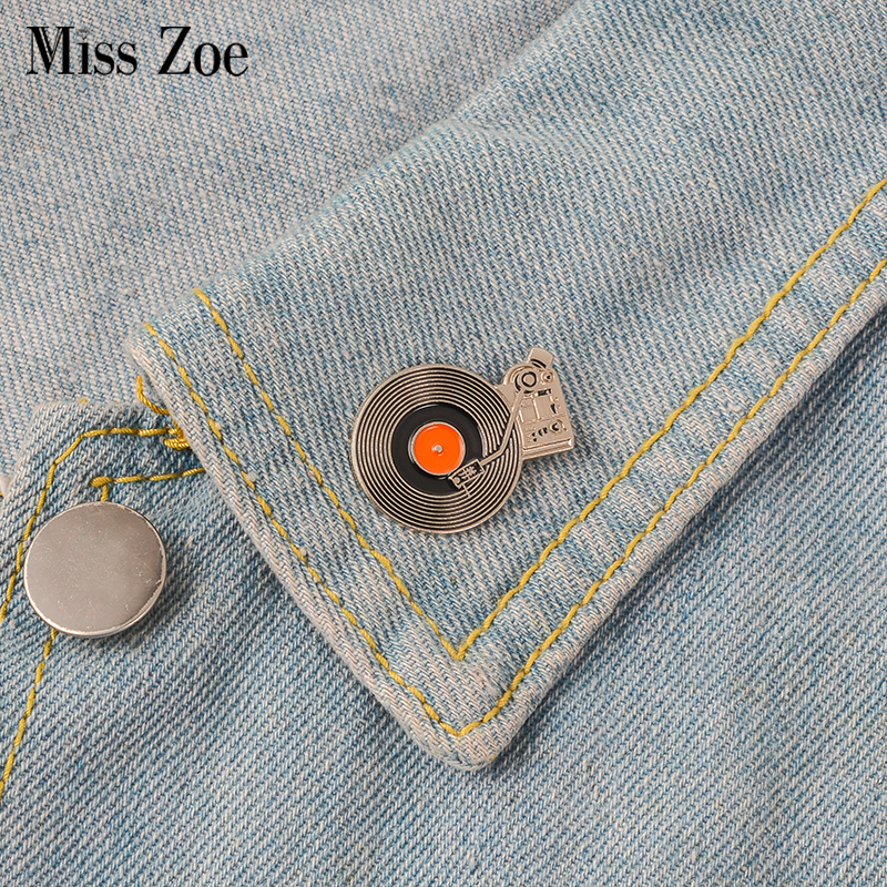 Vinyl Records Player Enamel Pin Vintage Badge Brooch Lapel Pin Denim Jeans Shirt Bag Cartoon Music Jewelry Gift For Friends