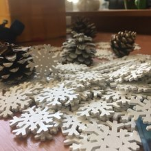 100PCs Wooden Flatback Embellishment Christmas Snowflake Scrapbooking Pendant Christmas Decorations For Home DIY 3.65×3.4cm