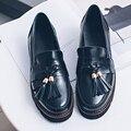 2017 superestrella De La Moda de primavera marca zapato de punta redonda borla perezoso mujeres de tacón grueso bombas resbalón en poco profunda del partido señora de la oficina zapatos